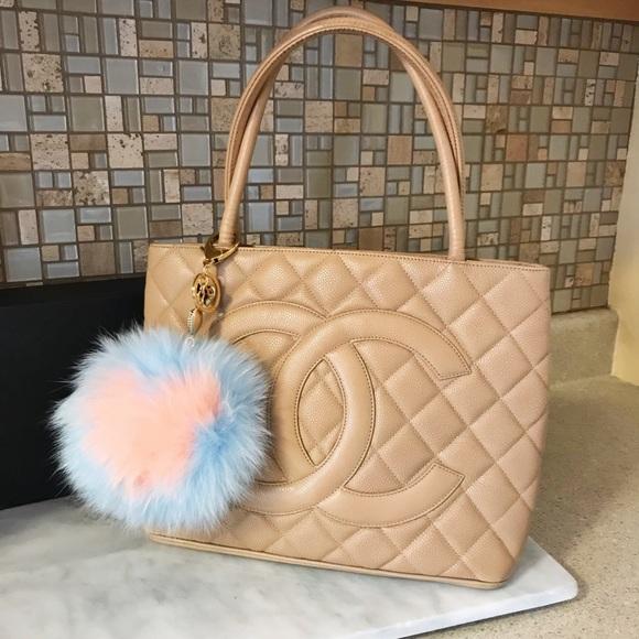 CHANEL Handbags - Auth. Chanel Rare Tan & Gold Vintage Medallion Bag
